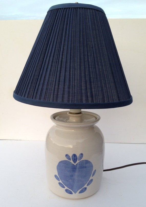 stoneware crock like table lamp with blue heart motif and navy blue. Black Bedroom Furniture Sets. Home Design Ideas