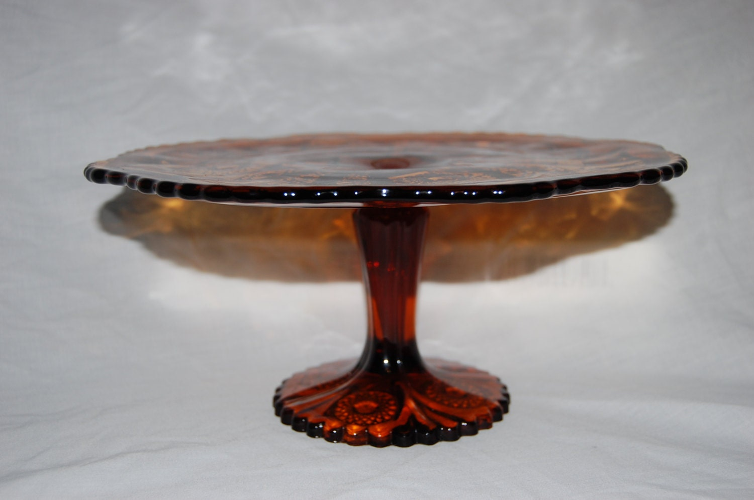 Glass cake stand 10inch diameter amber dark root beer color for Colored glass cake stand