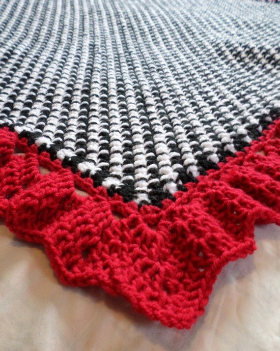 Houndstooth Crochet Baby Blanket Pattern