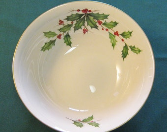 """Lenox Holiday Holly and Berries 9"""" Round Serving Bowl"""