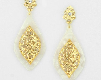 Drop Style Tortoise Floral Marquise Earrings White