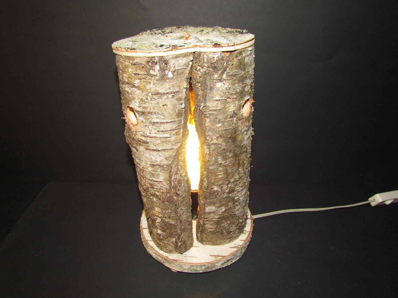 Lampada da tavolo realizzata in tronco di betulla for Lampade con legno