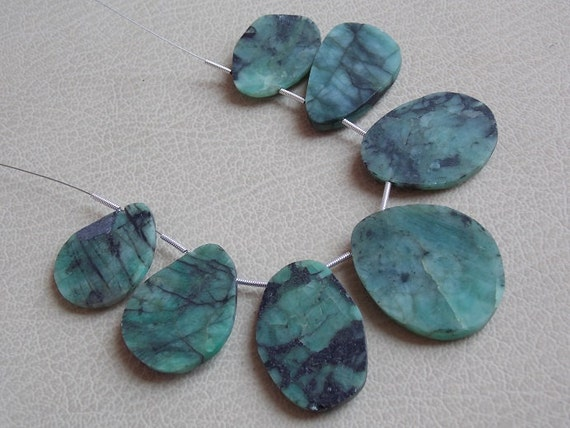 Real Emerald 1 Strand 7 Pcs Faceted Fancy Shape Briolettes