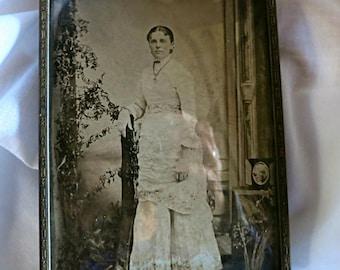 Victorian Photo, Victorian Woman Photo, Vintage Photo, Vintage Brass Frame Photo, Vintage Photography, Antique Photo