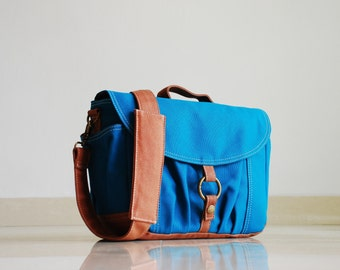 Christmas in July SALE - Koi-S in Teal - Canvas Camera Bag/ Dslr Bag/ Camera Bag/ Camera Messenger Bag/ Women/ camera case/ dslr camera bag