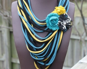 Jacksonville Jaguars Shredded Scarf with Flower Clip/Pin