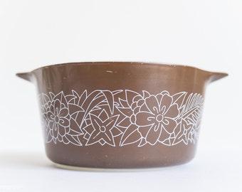 Pyrex Woodland Casserole Dish - Chocolate - Cinderella Style - 473 1QT