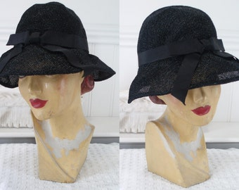 Cloche Hat 1930's  Black .  Flapper Cloche . Flapper . 1930's . Cloche Hat .