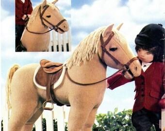 "Vogue 7603 / P908 Vogue Doll Collection Horse for 18"" Doll 2002 / UNCUT"