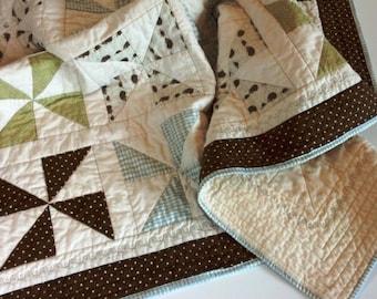 """SALE! Pinwheel Baby Quilt, Pinwheel Crib Quilt, Pinwheel Lap Quilt - """"night-night hedgehog quilt"""""""