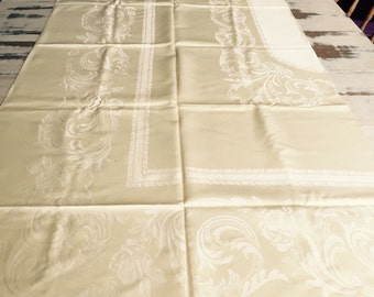 Vintage Linen Tablecloth with 12 Matching Napkins