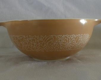 Pyrex Woodland Brown Cinderella Bowl  No.443 2.5 quarts