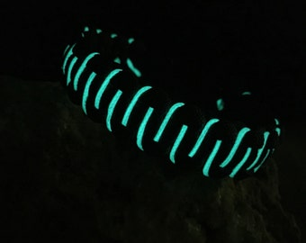 Handmade (USA) Glow in the dark Paracord bracelet, black