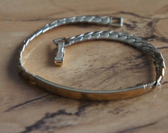 Vintage  Jewelry  Bracelet  Chain  Gold Collectable with the Extanded Chain Designer Avon E-111