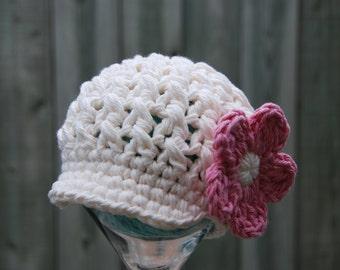 0-3 months baby girl hat, newsboy hat, crochet cotton girl beanie, newborn girl photo prop, cream with pink flower, hat with flower