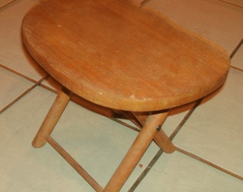 Nice Old Nevco Fold N Cary Wood Step Stool Patented