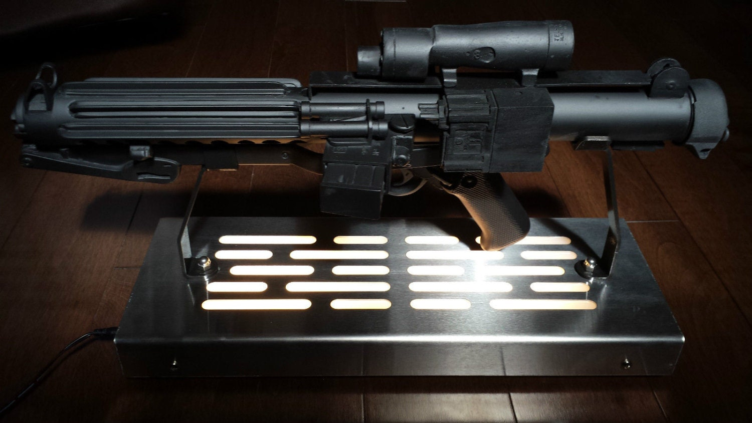 Star Wars Stormtrooper E 11 Blaster Display Stand With Led