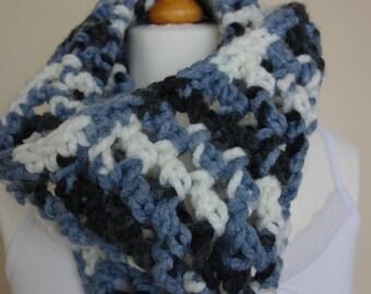 Super-Chunky Crochet Neckwarmer/Cowl