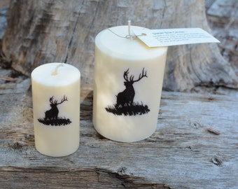 Palm Wax Candle with Wildlife motif Elk. The perfect gift for any occasion!