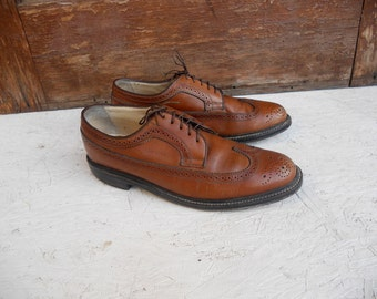 Vintage Men's Brown San Remo Wingtip Dress Shoes 9 1/2 M FREE SHIPPING