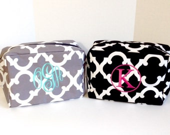 Set of Five Monogrammed Makeup Bags, Set of 5 Personalized Cosmetic Bags, Makeup Pouches, Bridesmaids Gifts, Bridal Shower Gifts