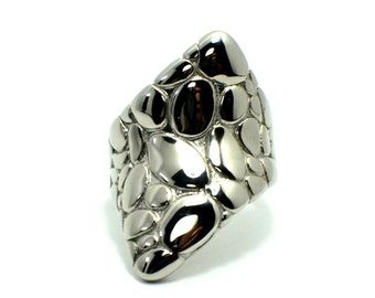 Stainless Steel Pebble stone ring in saddle plate