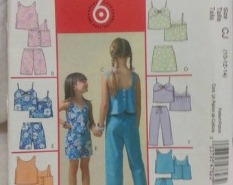 McCalls 4762 Girls Top, Skirts, Shorts and Capri Size 10-14