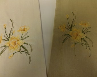 Daffodil Embroidered Towels