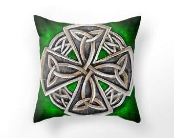 DECORATIVE THROW PILLOW cover, green cushion cover, celtic pillow case, iron celtic cross throw pillow, green throw pillow, St. Patricks day