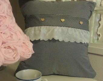 Now 25% OFF Navy Blue Gingham Pillow Cover........wow 9.00