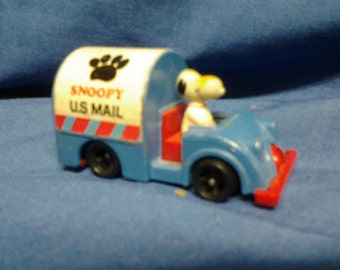 Snoopy Mail Truck