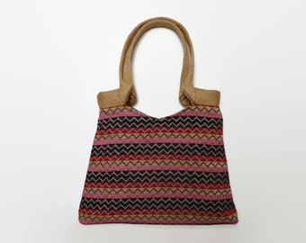 black, red chevron tote bag,  shoulder bag, large handbag. Tapestry bag. Chevron in pink, red, purple, black and beige. Jute handles