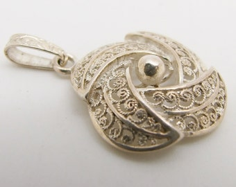 Vintage 925 Sterling Silver Filigree Swirl Flower Pendant