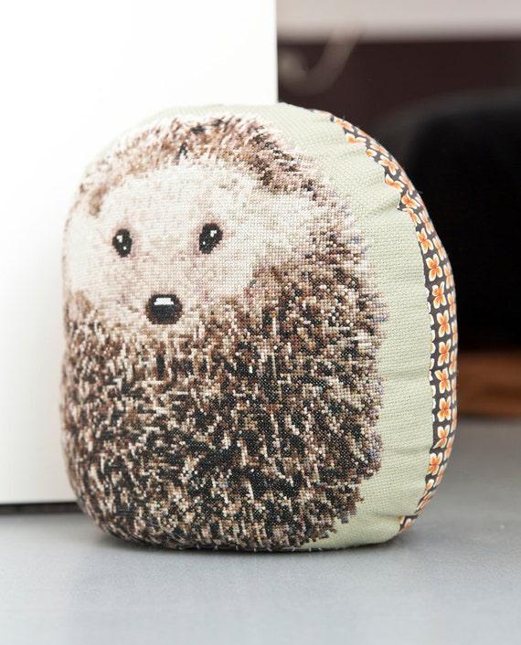 cross stitch hedgehog pattern from HetBorduurbloempje on ...