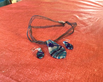 Blue Murano glass ear ring and pendant set