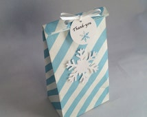Frozen Favor Bag with Thank You Tag and Ribbon: 5+ Holiday/ Frozen Party Bag, Paper Snowflake Treat Bag, Gift Bag, Thank You