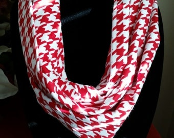 Red and White Houndstooth Infinity Scarf, Infinity Scarf, Scarves, Circle Scarf, Circle Scarves, Neck Wear, Outer Wear
