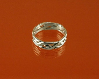Plaited ring hand-made in 925 Sterling Silver