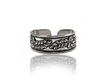 Sterling silver toe ring. silver midi ring. toe jewelry. silver toe ring. midi ring. knuckle ring. adjustable toe ring. toe rings. boho ring
