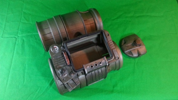 Pip Boy 3000 by Etsy user jontpeters