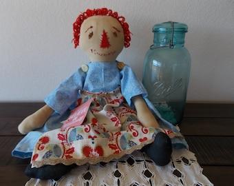 Love Bird: Traditional Rag Doll