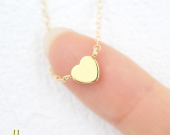 Tiny Heart Bracelet - Delicate gold filled chain,Dainty little gold Heart,Minimalist jewelry,Simple jewelry for everyday