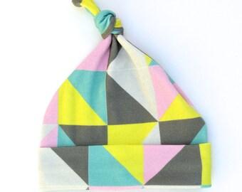 Triangles 100% organic cotton newborn knot beanie. Baby hat. Original it's all bien pattern.