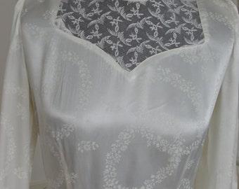 True Vintage Wedding Dress 10/12