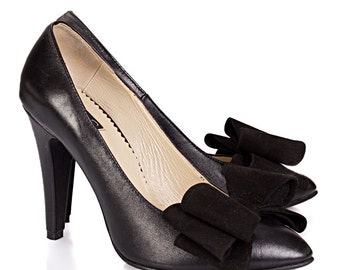 Gloria Black Leather Pumps
