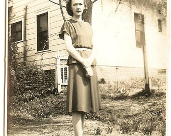Women's Daywear, 1940s, Snapshot Vintage Photo Old Photo Antique Black & White Photography Paper Ephemera Collectibles