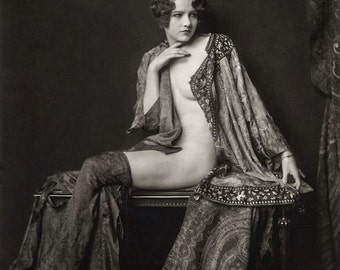 Alfred Cheney Johnston Photo, Ziegfeld Girl in robe, 1920-30s