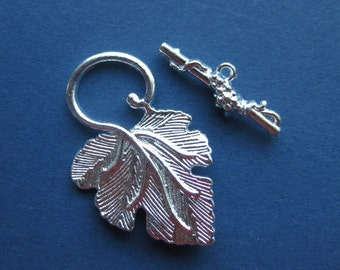 5 Sets - Grapes and Leaf - Toggle Clasps - Silver Plated - 37mm x 23mm & 25mm x 8 mm --(No.148-10073)