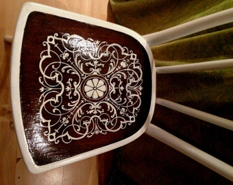 Renovated Vintage Bentwood Chair, elegant, white, highly decorative seat, dressing table chair