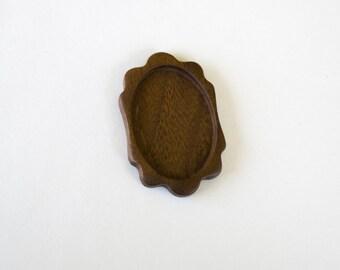 Large and Light Hardwood Bezel Tray - Walnut - Oval - 32x45 mm - (K2-W)